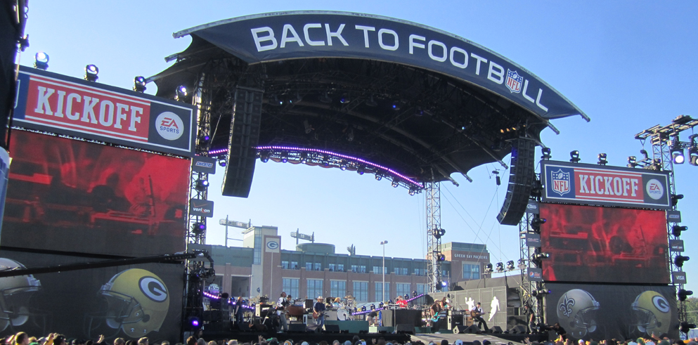 "Sharpy Turns in Winning Performance at ""NFL Kick Off 2011"""