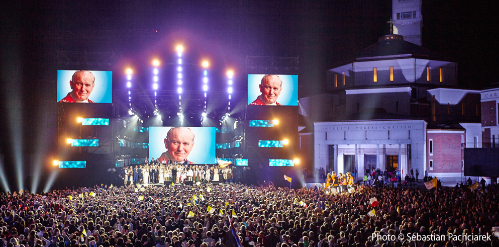 Clay Paky fixtures illuminate the Celebration of Saint John Paul II