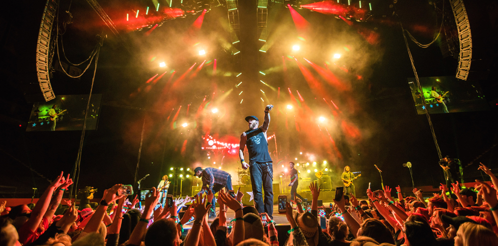 Clay Paky Scenius hits the road on the Brantley Gilbert's Black Out World Tour
