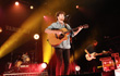 Clay Paky brilla al tour di Vance Joy