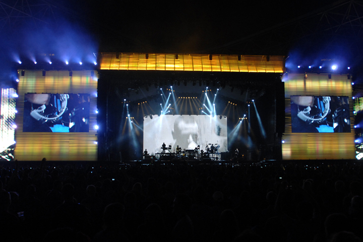Clay Paky Lights the Abu Dhabi Formula 1 Concerts