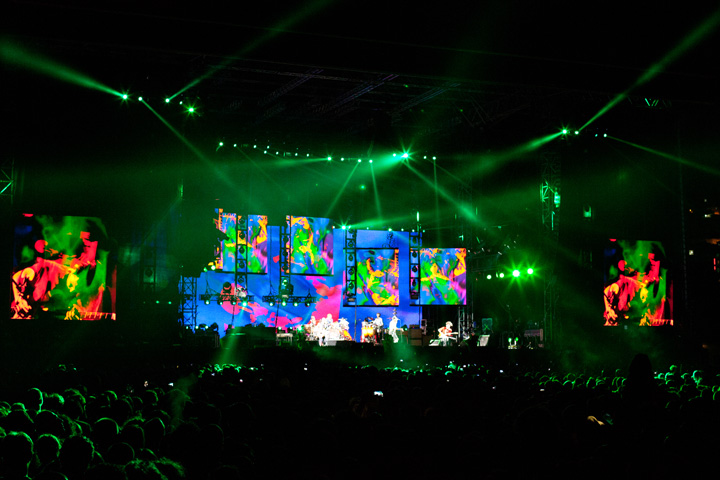 "Clay Paky Sharpys and Alpha Beam 1500s Light Up the Red Hot Chili Peppers' ""I'm With You World Tour"""