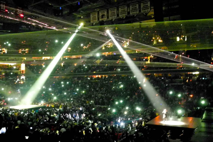 Sharpy fixtures join Jay-Z and Kanye West - Photo credit: Alfredo Flores-Twitter-Facebook