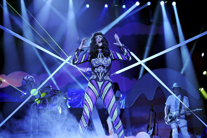 Sharpy and Alpha Profile 700 Go Dreamin' with Katy Perry Tour