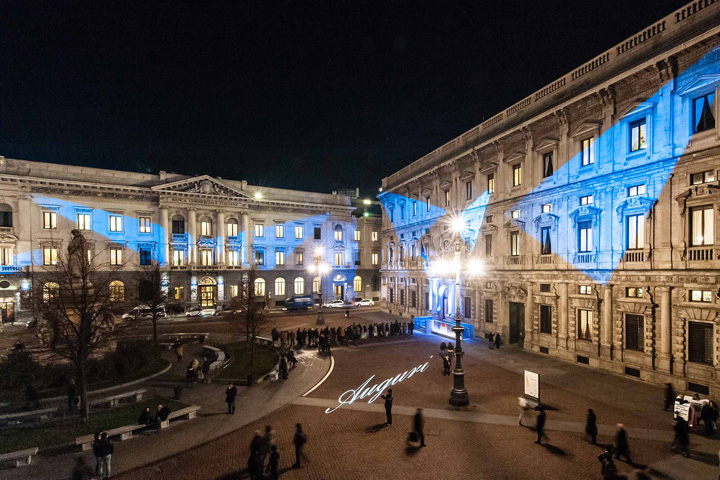 A magical Christmas in Piazza della Scala with Clay Paky lights - Photo credit: Matteo Vecchi