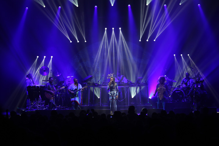 paky basement jaxx kish kash in on clay paky fixtures for tour