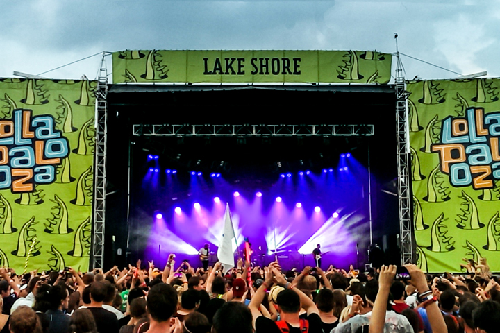 Clay Paky B-EYEs Shine at Lollapalooza 2014 Music Festival