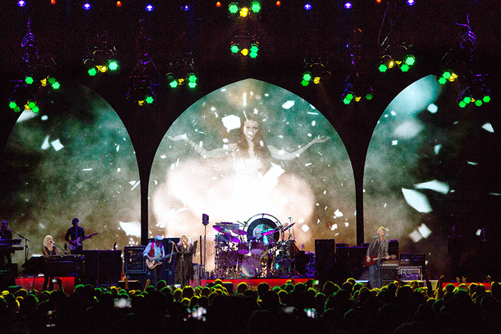 Clay Paky Fixtures Hit the Road with Fleetwood Mac