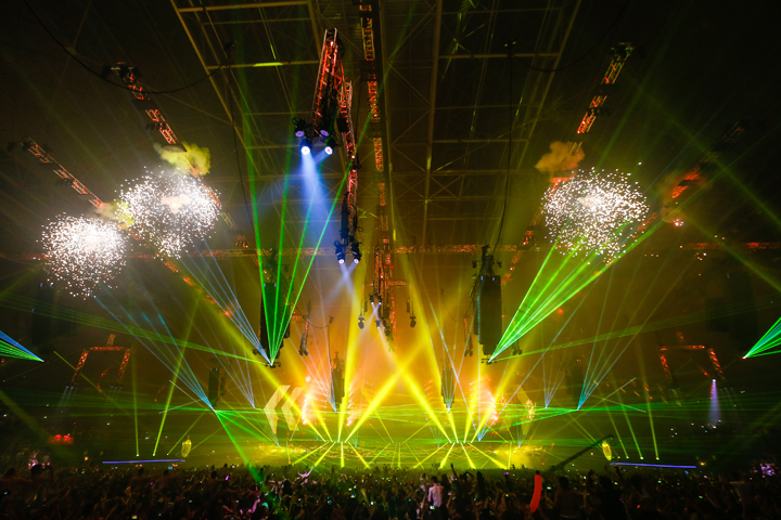 Clay Paky gets intergalactic at giant 'Hardstyle' Dutch dance event