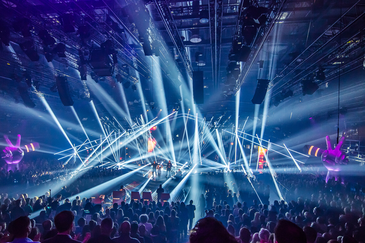 Clay Paky - Clay Paky is 'backbone' of lighting rig on The Voice ...