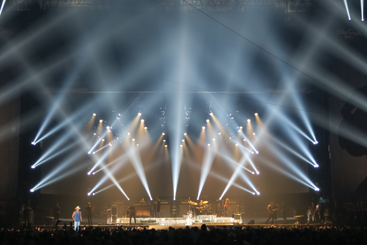 "Clay Paky Lighting Fixtures Help Kenny Chesney Deliver Fire Power on His ""Big Revival Tour"""