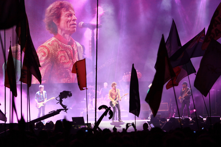 Clay Paky lights Help Rolling Stones Dazzle 135,000 at Glastonbury