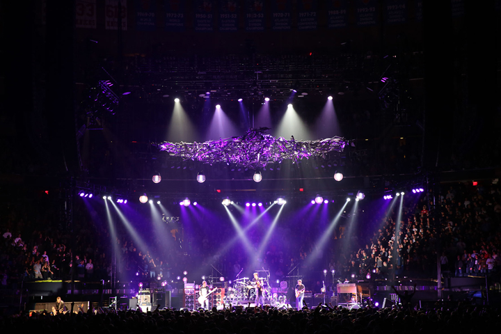 Clay Paky Scenius Moving Head Spots Join Pearl Jam Tour - Photo credit: Karen Loria