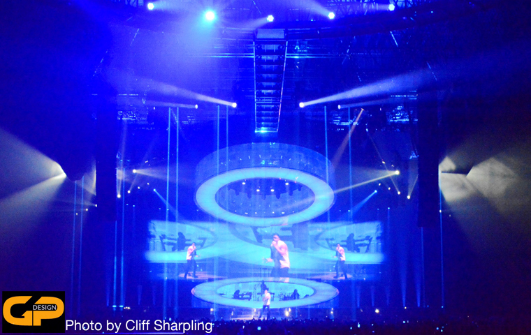 Clay Paky Sharpy is 'diamond choice' for detailed lighting looks on Drake world tour