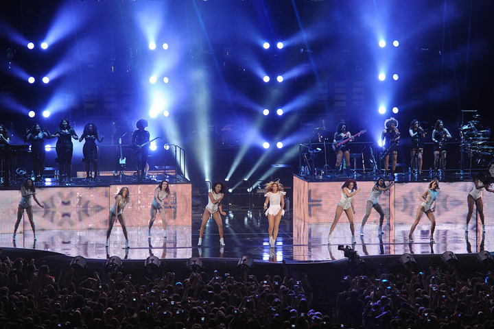 Clay Paky Sharpys in the Spotlight on Beyonce's 'Brightest Ever Show'