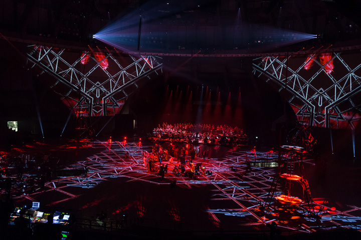 "Claypaky provides heavenly theatrical lighting to Wroclaw's closing Capital of Culture production ""Niebo"""