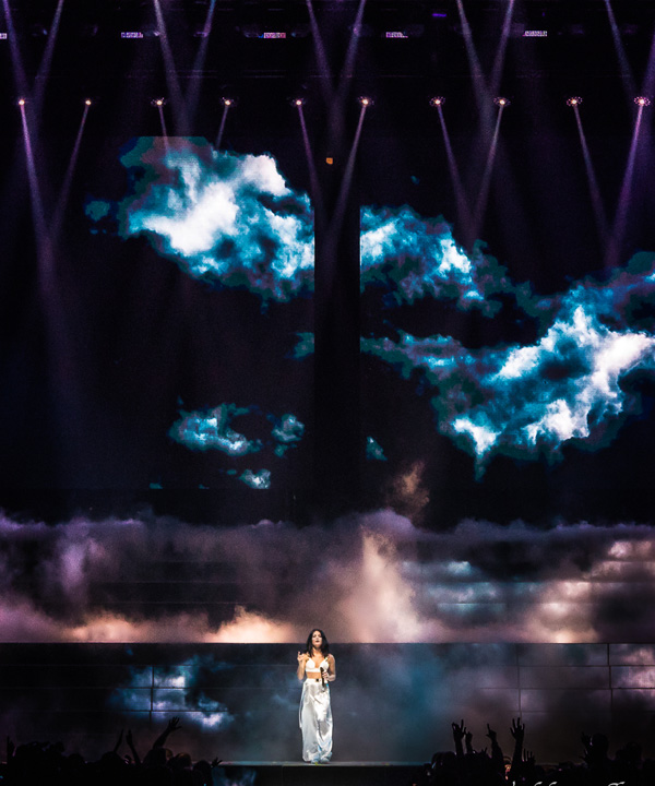 "Claypaky Scenius Lighting Fixtures Shine on Halsey's  ""Hopeless Fountain Kingdom World Tour"""