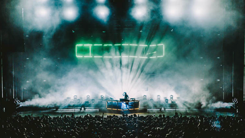 Flume Plays Red Rocks with Claypaky Fixtures - Photo credit: Sergio Villatoro