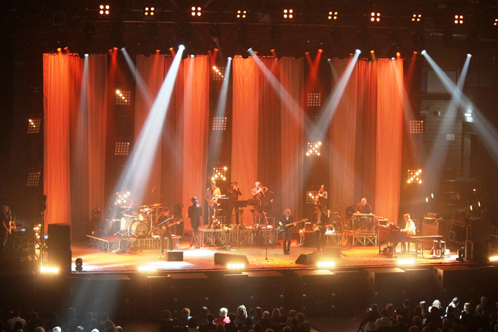 LD Andrea Coppini explains his lighting design with Clay Paky lights for Francesco De Gregori