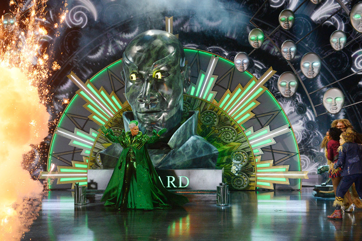 """The Wiz Live!"" Eases Down the Road with Clay Paky Lighting Fixtures"